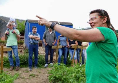 Erklären und verstehen: Bio-Landwirtschaft für Erwachsene. Eltern, Lehrer und Erzieher können sich vor Ort ein Bild machen. Tiggeshof, der Lernbauernhof im Sauerland.